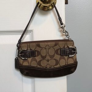 Coach Wristlet Wallet Large, Fits iPhone 6-8!